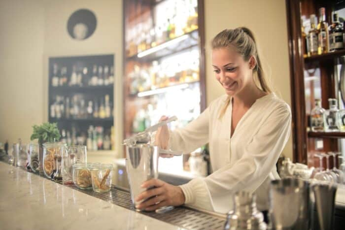 Want To Become a Professional Bartender? Start With These Tips